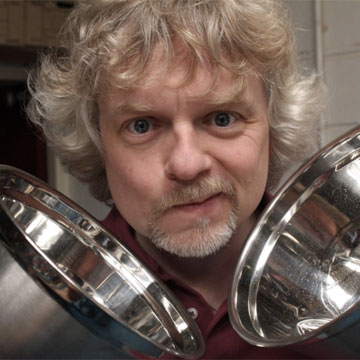 picture of scientist Marty Jopson