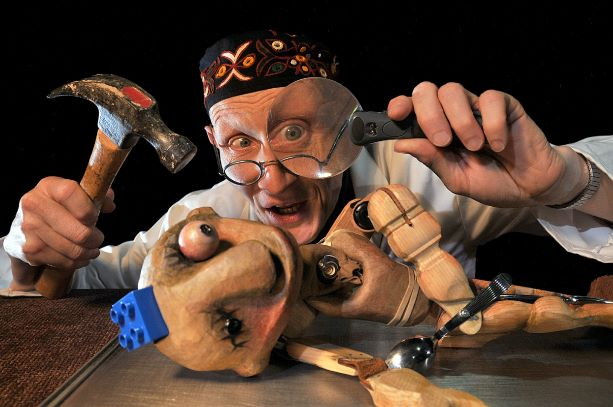 Lempen Puppet Theatre present: LITTLE FRANKENSTEIN: A Little Horror For Little Horrors!